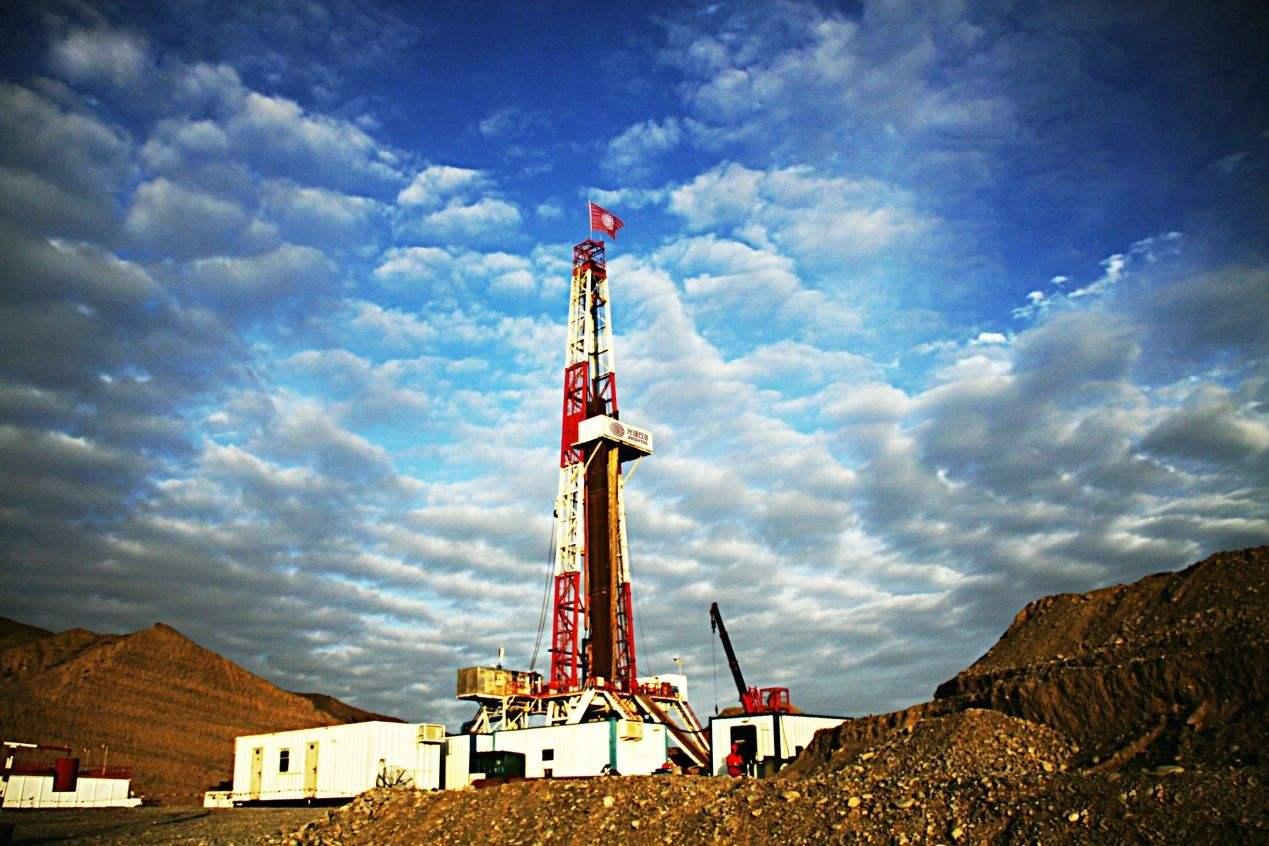 陆上石油天然气开车.jpg