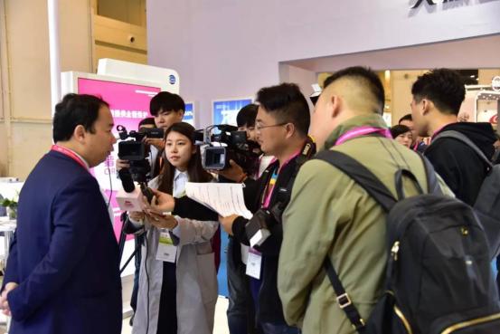 第七届李曼养猪大会暨2018世界猪业博览会郑州盛大开幕9839.png